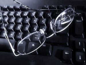 Billentyűzet szemüveggel