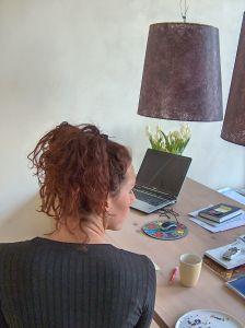 Internetes munkalehetőség: milyen hirdetésekbe lehet belebotlani a világhálón?