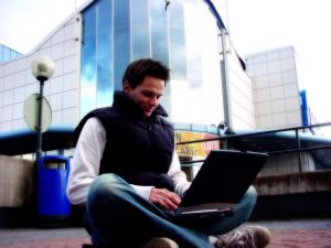 Mit kell tenni, ha komoly internetes munka érdekli az embert?