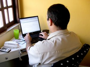 Internetes munkák esetében milyen tapasztalat szokott lenni a leginkább?