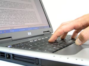 Online munka esetében lehet megbízható gépelési munkát találni?