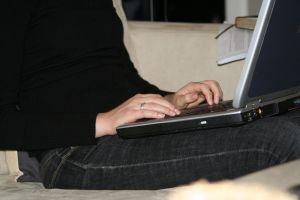 Az internetes bedolgozói munka: létezik ilyen?